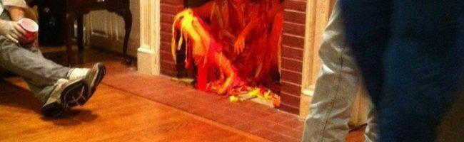 Ova Helloween maska je vatrena