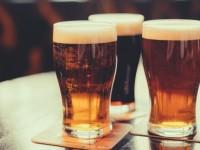 Mujo i pivo u kafani