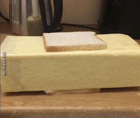 Nikad previše sira u sendviču!